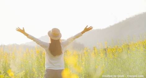 female-teen-girl-stand-feel-freedom-and-relaxation-travel-outdoor-enjoying-nature-with-sunrise_1421-186